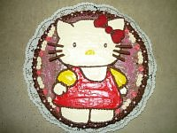 HELLO KITTY ..TORT KREMOWY